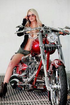 Motorcycle girl Women Who Ride - Rebel Girl ❤️Female Riders - sexy things ❤️Just because it's HOT ❤️One of the most fatal combination ❤️ Women Riding Motorcycles ❤️ Girls on Bikes ❤️ Biker ❤️ Riders ❤️ Girls who ride rock ❤️ ❤️ & Lady Biker, Biker Girl, Biker Boys, Motard Sexy, Chicks On Bikes, V Max, Motorbike Girl, Motorcycle Gear, Girl Bike