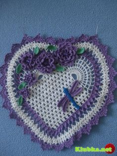 ~ Crocheted Heart w/ Flowers & Dragonfly ~ picture diagram, may need to translate