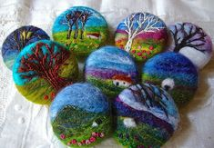 Today I was at Withern Village Hall, deep in the …Needlefelting onto wet felted piecesPosts about wet Felted Fabric Brooch, Felt Brooch, Fabric Art, Fabric Crafts, Felted Soap, Felt Pictures, Needle Felting Tutorials, Wool Art, Needle Felted Animals