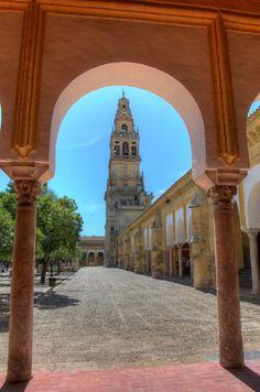 Patio de los Naranjos and the Minaret of the Mezquita (Catedral) de Córdoba, Andalucía, Spain