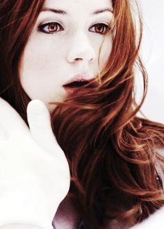 I wish I could pull off Karen Gillan\'s red hair.