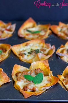 Mini Lasagna Cups - One of my all-time favorite recipes!  Only 175 calories each! #minature #summer #lasagna