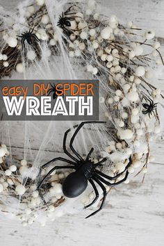 Easy DIY Spider Wreath for Halloween - Pink Peppermint Design - - This easy diy spider wreath for Halloween can be made in less than 5 minutes and with only three supplies. Come check out this awesome Halloween DIY. Scary Halloween Wreath, Halloween Front Doors, Halloween Spider Decorations, Halloween Cans, Halloween 2018, Halloween Costumes, Easy Halloween, Spider Webs Halloween, Dollar Tree Halloween Decor