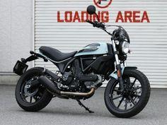 原さんの愛車は普通自動二輪免許で乗れる排気量400ccのドゥカティスクランブラーSixty2(オーシャングレー)