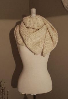 Et flott sjal som du strikker ganske fort. Fint som gave til en du er glad i, eller til deg selv.