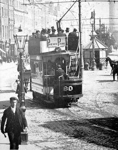 Dublin , Southern Ireland in the sight from the tram Dublin Street, Dublin City, Old Photos, Vintage Photos, Irish Independence, Irish Catholic, Irish Culture, Dublin Ireland, Ireland 1916