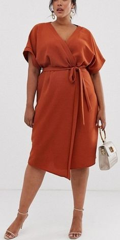 42 Plus Size Wedding Guest Dresses {with Sleeves} - Alexa Webb Plus Size Wedding Guest Dresses, Plus Size Summer Dresses, How To Dress For A Wedding, Plus Size Outfits, Cocktail Bridesmaid Dresses, Long Cocktail Dress, Curvy Fashion, Plus Size Fashion, Moda Xl