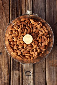 How-to Make Homemade Nut Butters - Tasty Yummies Homemade Nut Butter Recipes, Homemade Almond Butter, Egg Free Recipes, Clean Eating Recipes, Cooking Recipes, Hazelnut Butter, How To Roast Hazelnuts, How To Make Homemade, My Favorite Food