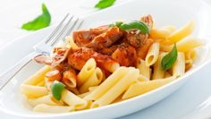 Penne With Eggplant, Tomatoes, And Kashkaval Pasta Facil, Tomato Juice, Dried Tomatoes, Home Recipes, Eggplant, Pasta Salad, Fries, Side Dishes, Stuffed Peppers