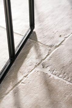 Unique Flooring, Stone Flooring, Living Room Flooring, Kitchen Flooring, Castle Stones, Theoule Sur Mer, Entry Tile, Stone Kitchen, New House Plans