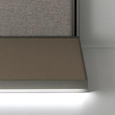 floor base in regenerated leather with extruded aluminium back and perimetric profile. Optional led lighting