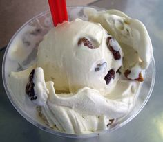 Leon's Frozen Custard(Milwaukee): Butter Pecan Custard.