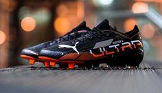 Football Shoes, Soccer Shoes, Soccer Cleats, Best Sneakers, Air Max Sneakers, Sneakers Nike, Jordan 4, Michael Jordan, Black Lion