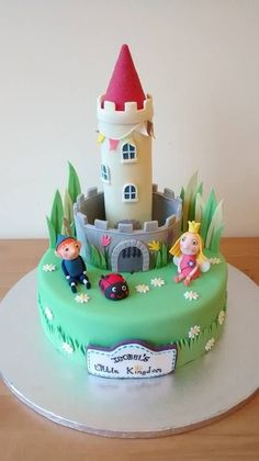 Ben and Holly's Little Kingdom Cake, for Isobel's third birthday :) Ben And Holly Party Ideas, Ben And Holly Cake, Ben E Holly, Third Birthday Girl, 4th Birthday Cakes, 5th Birthday Party Ideas, Claudia S, Fondant, Occasion Cakes