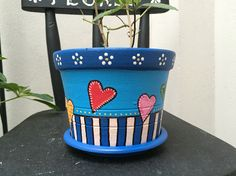 Clay Flower Pots, Terracotta Flower Pots, Flower Pot Crafts, Clay Pot Crafts, Clay Pots, Painted Plant Pots, Painted Flower Pots, Decorated Flower Pots, Ceramic Pots