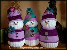 {enjoy the view}: D-I-Y Sock Snowmen (sooooo cute!!!)
