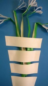Wiosenne inspiracje - Easy Art Projects, Spring Projects, Projects For Kids, Spring Activities, Art Activities, Spring Crafts For Kids, Diy For Kids, Origami Paper Art, Paper Crafts