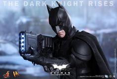 Hot Toys shows off 'The Dark Knight Rises' Batman figure - Batman-News.com