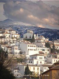 vistas de Granada y Alhambra desde Albayzin en Granada