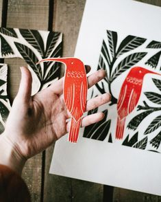 Hummingbird linocut carved plate could do this with huia Stamp Printing, Screen Printing, Printing On Fabric, Linocut Prints, Art Prints, Block Prints, Stencil, Lino Art, Linoleum Block Printing