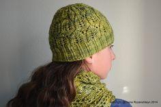 Ravelry: Raava hat pattern by Diana Rozenshteyn