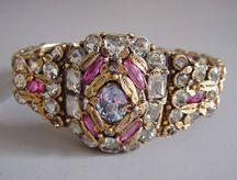 Identifying Costume Jewelry-Hobe