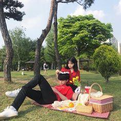 le dio me gusta a tu foto te ha comenzado a… # De Todo # amreading # books # wattpad Ulzzang Korean Girl, Ulzzang Couple, Korean Aesthetic, Couple Aesthetic, Cute Relationship Goals, Cute Relationships, Cute Couples Goals, Couple Goals, Cute Couple Outfits