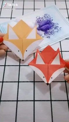 Diy Crafts Hacks, Diy Crafts For Gifts, Paper Crafts For Kids, Diy Crafts Videos, Diy Videos, Instruções Origami, Origami Videos, Paper Crafts Origami, Origami Bookmark