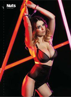 Danielle-Sharp-Nicole-Neal_bangtidy-net_116807.jpg (1417×1937)