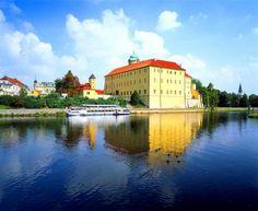 Prodbrady Prague, Eurotrip, Siena, Czech Republic, Panama, Places Ive Been, River, Mansions, House Styles