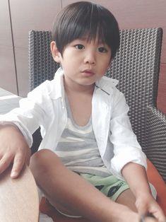ZARA KIDSのシャツ・ブラウスを使ったmoss315のコーディネートです。WEARはモデル・俳優・ショップスタッフなどの着こなしをチェックできるファッションコーディネートサイトです。 Cute Fashion, Kids Fashion, Ulzzang, Twins, Hair Styles, Boys, How To Wear, Zara Kids, Asian