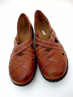 Clarks-Womens-9W-Bendable-Loafers-Brown-Leather-Cushion-insole-flats-Shoes