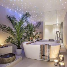 Kari Haugsrud (@futurenordichome) op Instagram: 'Beautiful bathroom Cred: @mybellainvest . .