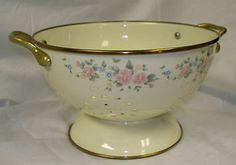 ONE DAY SALE....PFALTZGRAFF TEA ROSE 3 QUART METAL /ENAMELWARE COLANDER STRAINER Listed on eBay started at $0.98