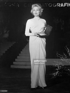 At the Taormina film festival in Sicily, Marlene DIETRICH posed in the San Domenico hotel with the DAVID DI DONATELLO, an Italian award for her role in the film JUDGEMENT