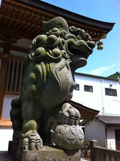 Mitaka Hachiman Grand Shrine (三鷹八幡大神社) honors Emperor Oujin (応神天皇) who governed Japan from 270 to 310. Komainu in front of the main pavilion is rather new, indeed was built in 1966.