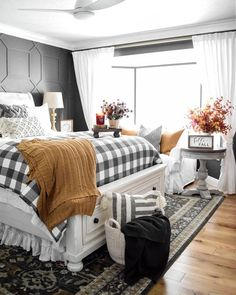 cozy bedroom The Stella 4 piece king bedroom set is stunningly tailored and remarkably inviting and RC Willey has it! It's expertly crafted from rubberwood and pine solids with Mindy vene Home, Bedroom Makeover, Bedroom Design, Dreamy Bedrooms, King Bedroom Sets, Farmhouse Bedroom Decor, Bedroom Set, Fall Bedroom, Remodel Bedroom