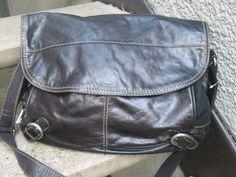 FOSSIL Used Black Soft Leather Messenger Bag #Fossil #MessengerShoulderBag