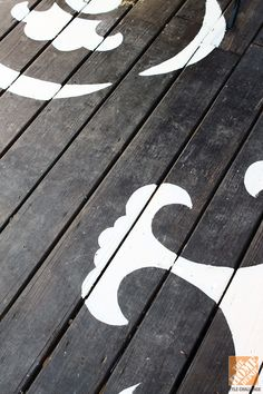 Outdoor Decorating with Color: Stenciled Painted Deck Floor