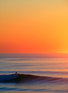 Sunset vague mimizan::::::::::::::: by Hakahonu<:::::::::::::::::::, via… Beautiful Sunset, Beautiful World, Beautiful Places, Beautiful Lyrics, Surf Mar, Sunset Surf, Inspiration Artistique, Seen, All Nature
