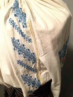 Romanian blouse detail Folk Costume, Costumes, Folk Embroidery, Pillowcases, Cushions, Textiles, Sweatshirts, Blouse, Model