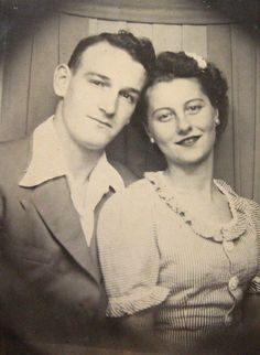 +~ Vintage Photo Booth Picture ~+  Sweet couple.