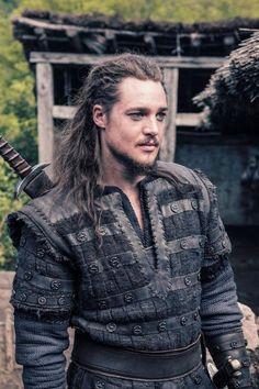 Alexander Dreymon wants The Last Kingdom to return Viking Men, Viking Hair, Viking Warrior, Female Viking, Lagertha, Mode Masculine, Uhtred De Bebbanburg, V Drama, Gorgeous Men