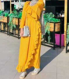 Polished hijab casual looks Hijab Style Dress, Modest Fashion Hijab, Modern Hijab Fashion, Hijab Casual, Hijab Fashion Inspiration, Abaya Fashion, Muslim Fashion, Fashion Dresses, Maxi Dresses