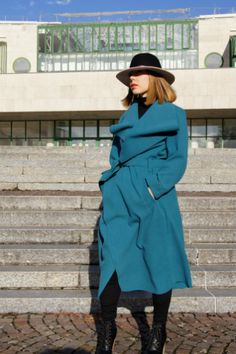 Welcome back with a new OOTD post for fall. We have the first cold days in Salzburg after a week of havy rain. The sun tries to do its best, but without a coat it. Ootd, Salzburg, Cold Day, Mantel, Raincoat, Turquoise, Autumn, My Style, Fashion Tips