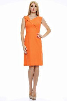 Rochie in uni cu guler rasfrant si slit asimetric. Uni, Dresses For Work, Fashion, Moda, Fashion Styles, Fashion Illustrations
