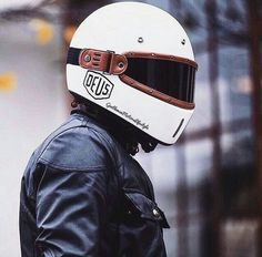 - Helmet Designs - from The Equilibrialist - Leo Maska Classic Motorcycle Helmet, Motorcycle Helmet Design, Racing Helmets, Motorcycle Style, Motorcycle Gear, Motorcycle Accessories, Retro Helmet, Vintage Helmet, Cafe Racer Style