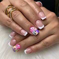 Short Nails, Pedicure, Nail Designs, Nail Art, Flower, White Gel Nails, Bright Gel Nails, Simple Elegant Nails, Short Nail Manicure