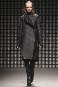 Gareth Pugh fall 11 Repinned by www.fashion.net