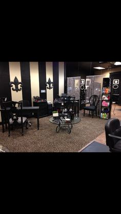 I live the vintage tables and chairs for my mani section across from the pedi station! I also love the wall painting, the strips stick out to be and I may like something like that in my salon. Pod -4 stress relieving ritual